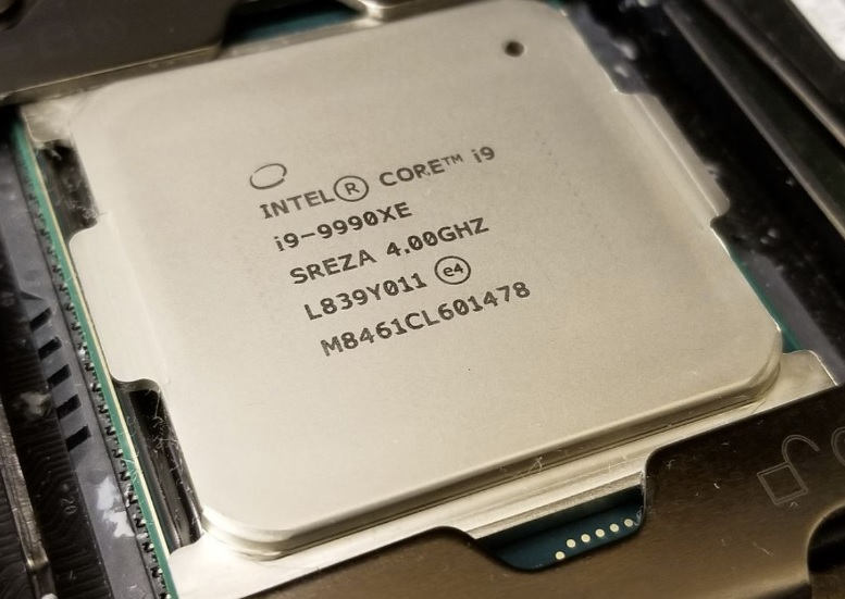 Intel Core i9-9990XE ベンチマークスコア