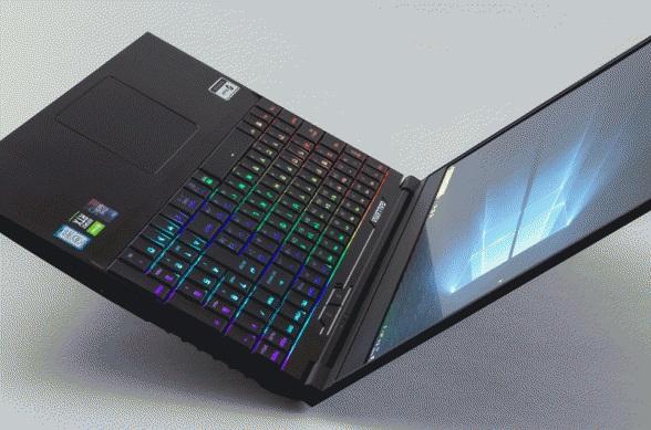 ドスパラ 薄型筐体で出先でも144Hzで快適ゲーム可能な性能の15.6型ゲーミングPC