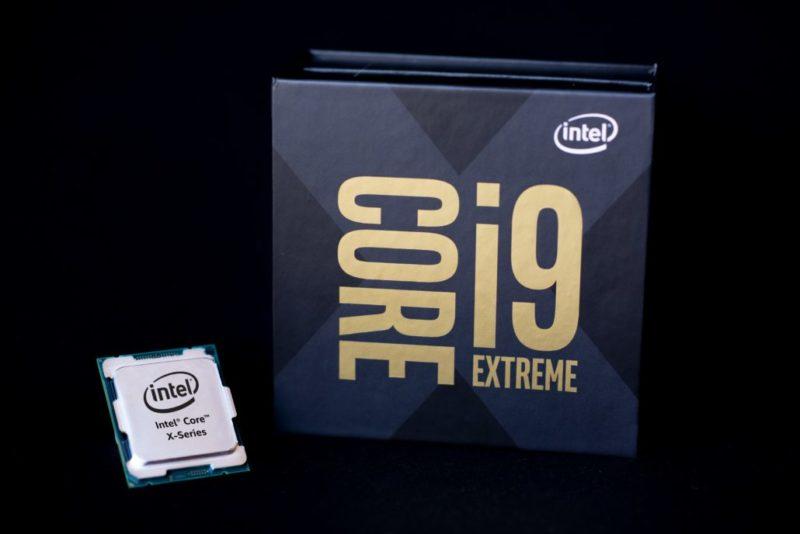 Intel Core i9-10990XEは、22コア/44スレッド380W TDPで最大5 GHzの全コアブースト