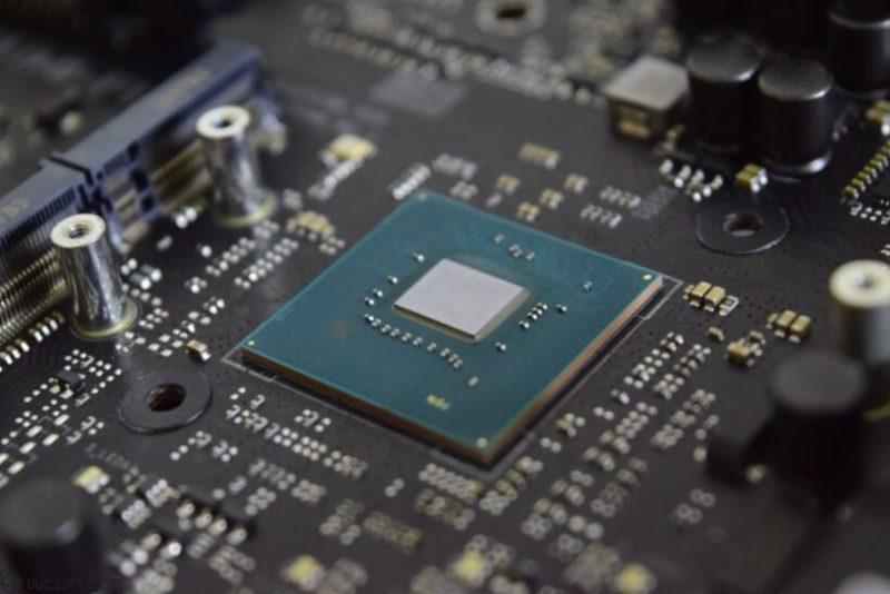 ASUS Z490マザーボードは、PCIe 4.0のサポートが競合他社と比較して大幅に遅れており、Rocket Lake CPUには適切なハードウェアレベルの統合がありません